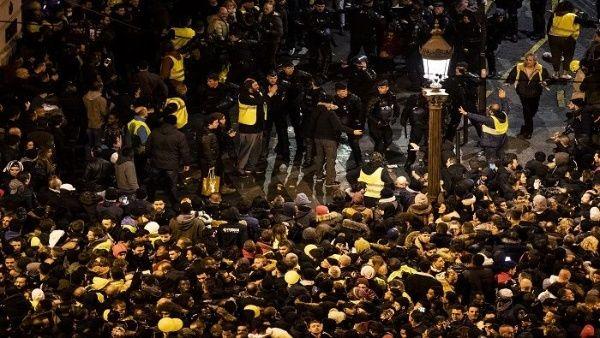 Marchan en Francia por mayor justicia social