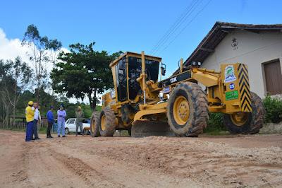 Prefeito de Sairé fiscaliza obras de recuperação em estradas rurais
