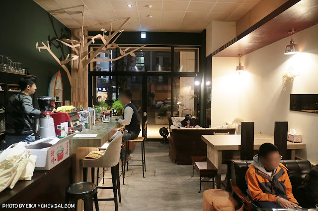 IMG 9555 - 啥!顛覆吧。沒有招牌的超神秘咖啡廳!超酷的黑糖expresso粉粿是深夜限定!