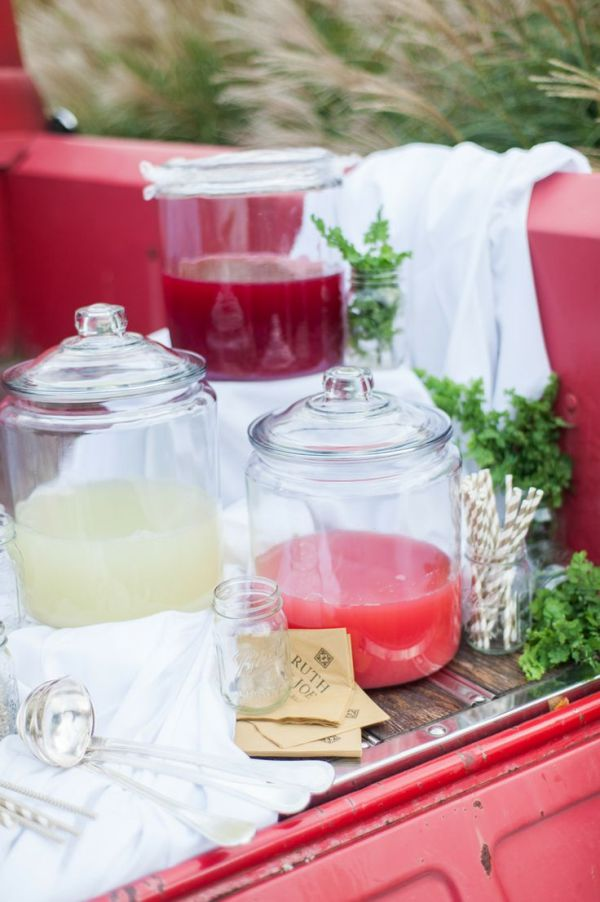 Awesome DIY Summer Bar Styling Ideas - via BirdsParty.com