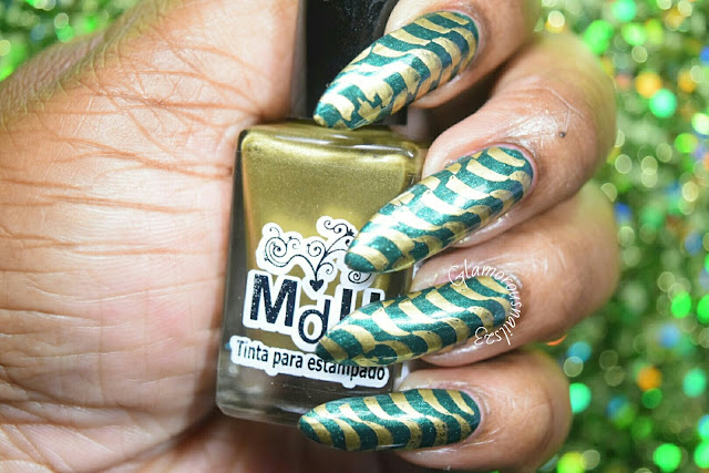 "Stamping Nail Art Using ""Lily Anna 14"" Plate"
