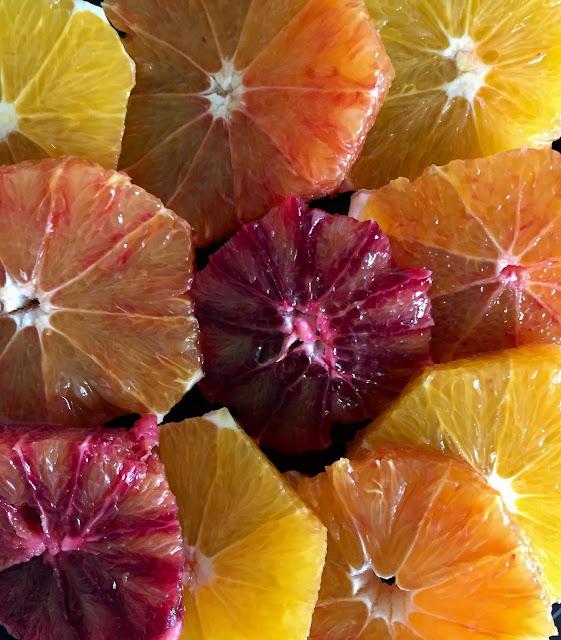 Orangensalat mit Avocado, Rezept glutenfrei & vegan, bio, Minimalismus: Zubereitung einfach + schnell, Healthy Food Style, ohne Weizen, Blog, Minimalismus, Luxus, Rezeptinspiration, Rezepte für jeden Tag, gesund und lecker, Rezeptideen, schnelle Rezepte, healthy, entdecken, leicht