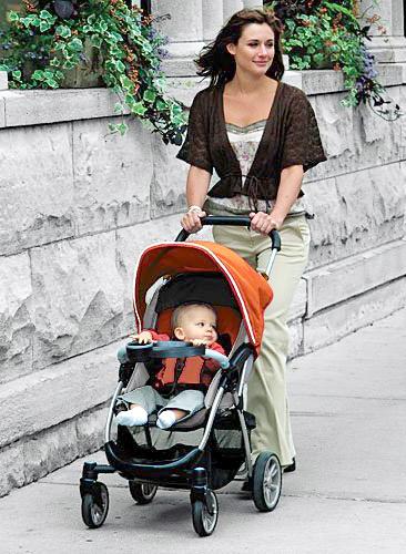 Lợi ích của xe đẩy với mẹ và bé