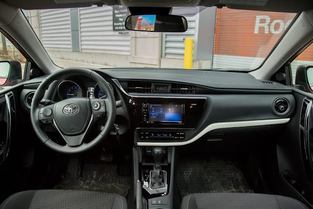 Interior Toyota Corolla iM