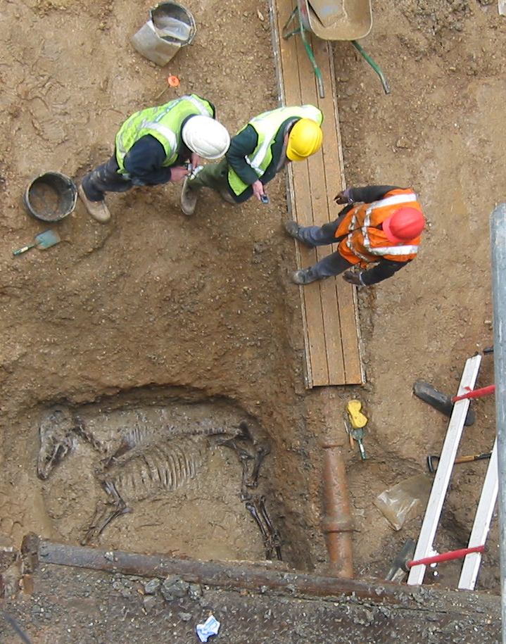 Hookup methods used in an archaeological excavation