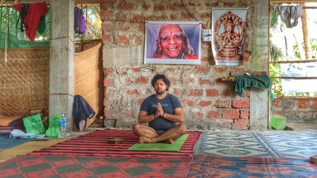 Iyengar Yoga in Arambol with Alpesh