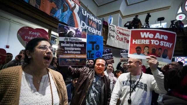 """Migrantes se muestran """"en pie de lucha"""" contra políticas de Trump"""