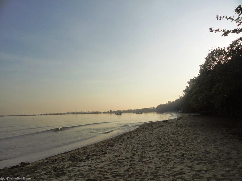 Hamparan pasir dipantai Pailus, Karanggondang, Jepara