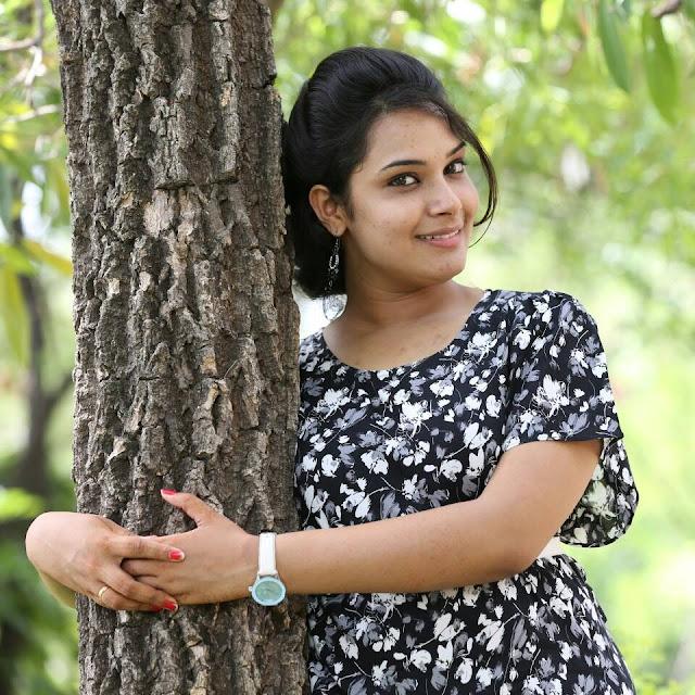 Anchor Hari Teja Images