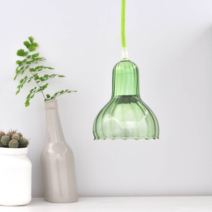 lámpara de vidrio de color verde