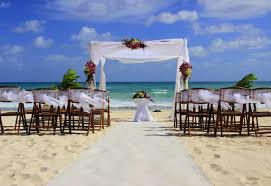 PLANNING SUMMER WEDDING