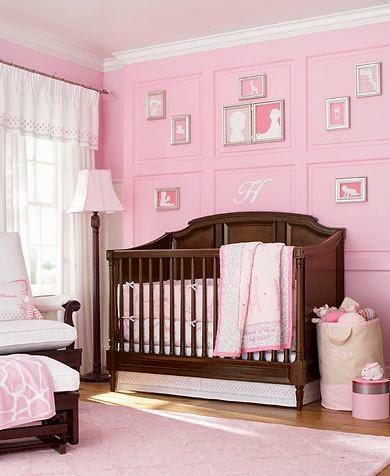 habitación bebé marrón rosa
