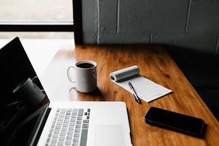 manfaat menulis tiap hari di blog