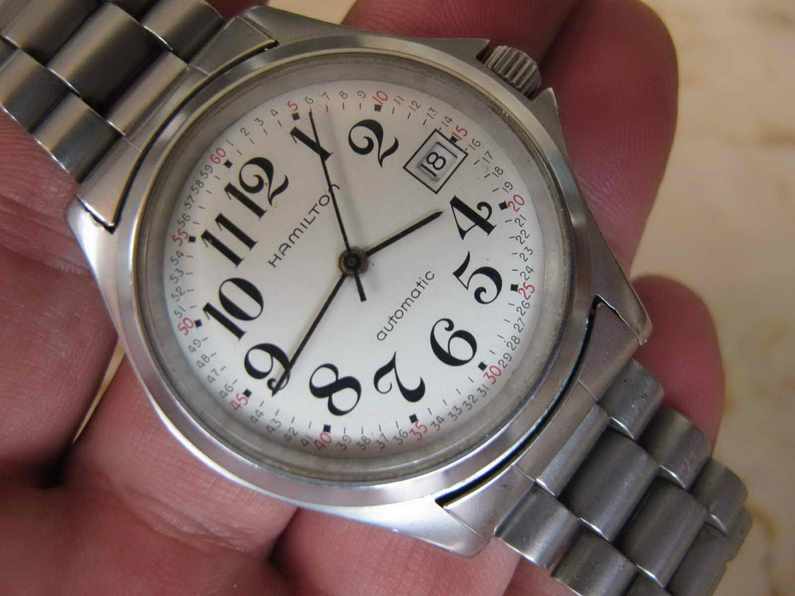 Cocok untuk Anda yang sedang mencari jam tangan dengan dial bersih putih  ... Military style italic index... Automatic HAMILTON. f284f6d220