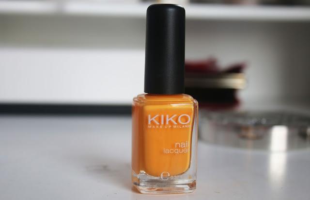 оранжевый пастельный лак для ногтей
