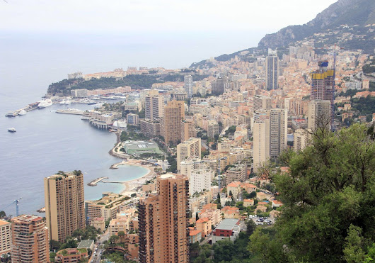 Chauffeured limousine services: Excursion to Montecarlo with Mercedes S class