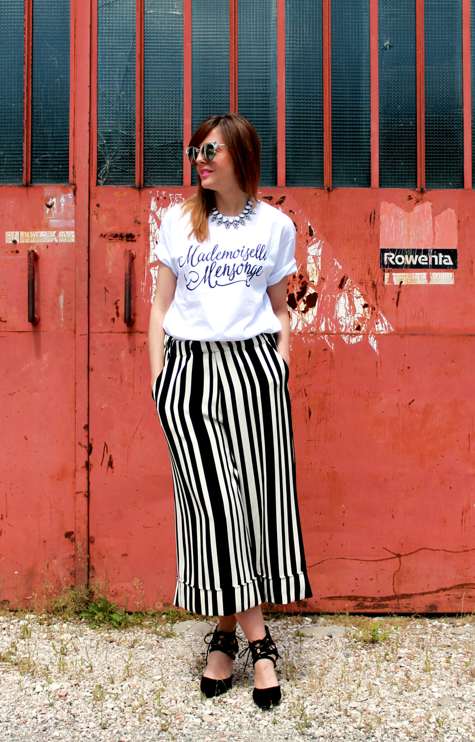 culotte-pants-white-tshirt-lace-up-heels