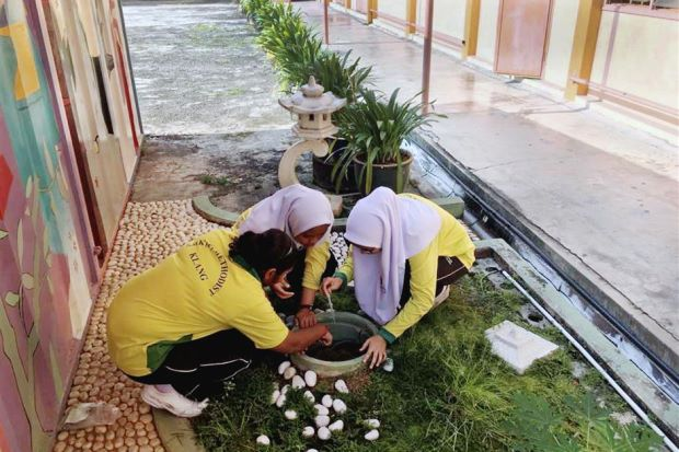 230 students in Klang were down with the fever in the first two months of the year