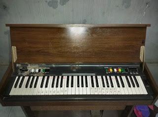 LAPAK BARANG JADOEL : Organ Yamaha Jadoel tahun Gak Enak