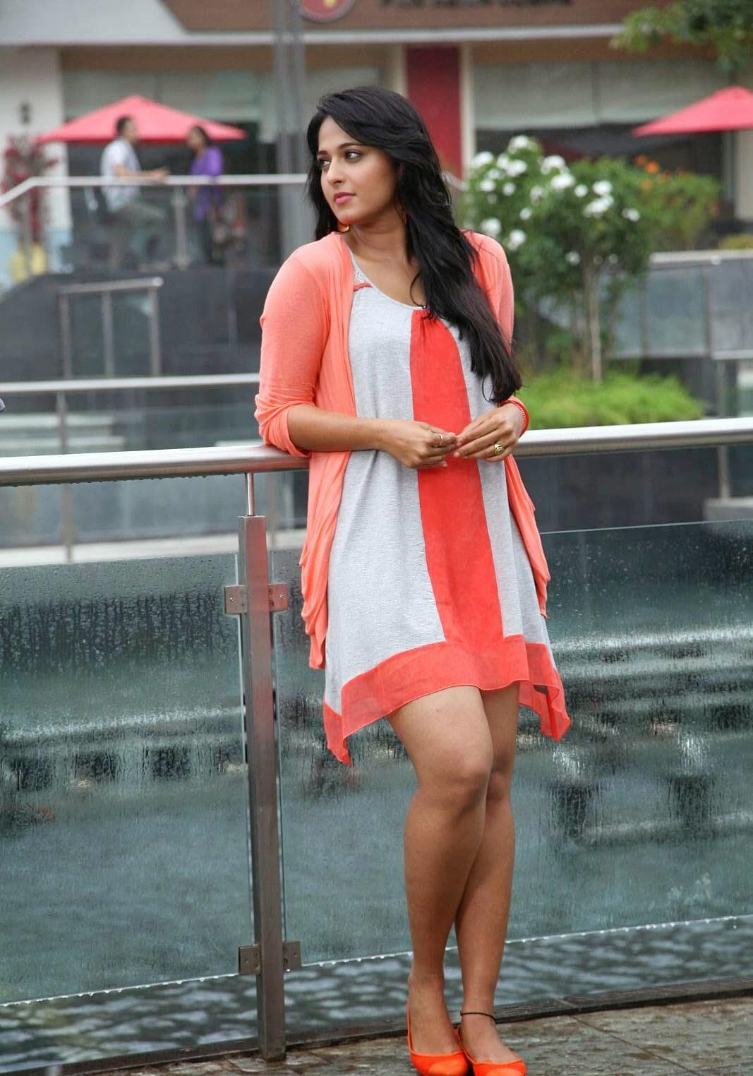indian-girl-short-skirt