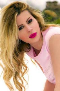 لارا كاي (Lara kay)، عارضة أزياء لبنانية