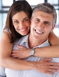Tips Menjalin Hubungan Berbeda Usia Jauh Tips Menjalin Hubungan Berbeda Usia Jauh