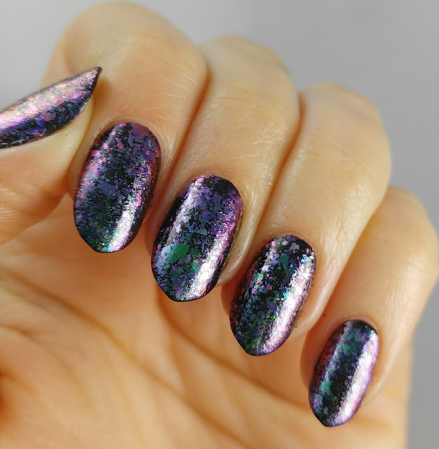 Born Pretty multichrome flakies with Sparkle & Co water based top coat