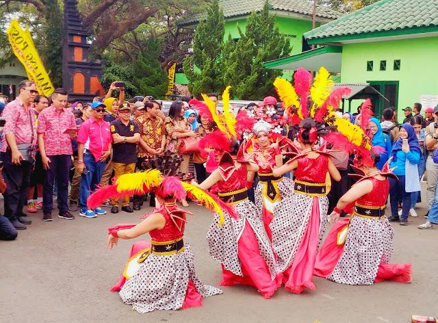 Tarian sambutan di Pucuk Coolinary Festival - Kuliner Terbaik Pucuk Coolinary Festival Malang 2018