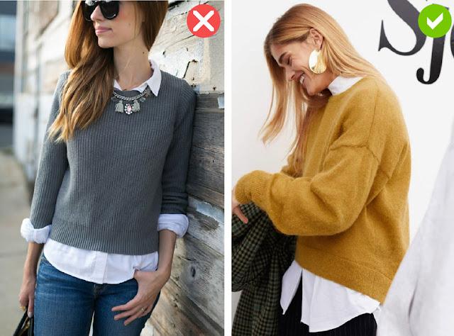 Горчичный свитер с рубашкой оверсайз и крупными серьгами