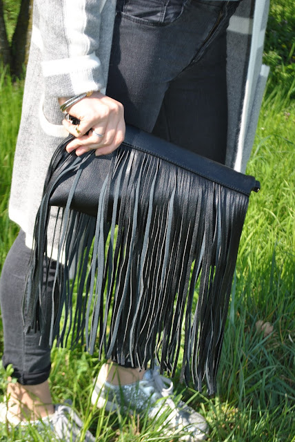 outfit borsa con frange come abbinare la borsa con frange abbinamenti borsa frange borsa a mano con frange clutch con frange fringed bag how to wear fringed bag fringed bag outfit outfit primaverili spring outfit outfit marzo 2016 march outfit mariafelicia magno fashion blogger color block by felym fashion blogger italiane fashion blog italiani fashion blogger milano blogger italiane blogger italiane di moda blog di moda italiani ragazze bionde blonde hair blondie blonde girl fashion bloggers italy italian fashion bloggers influencer italiane italian influencer