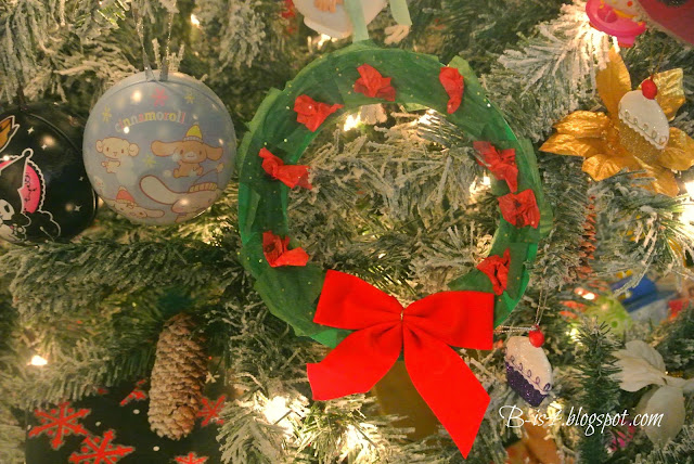 paper wreath, christmas tree, ornaments