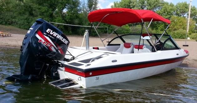Dyna-Ski Boats: Bimini Top on a Dyna-Ski