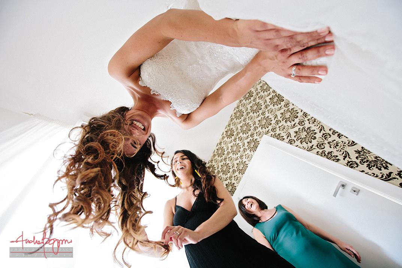 bride getting ready Italy documentary wedding photographer