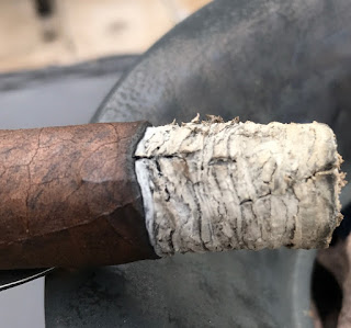 A look at the burn line of the Pistoff Kristoff robusto cigar