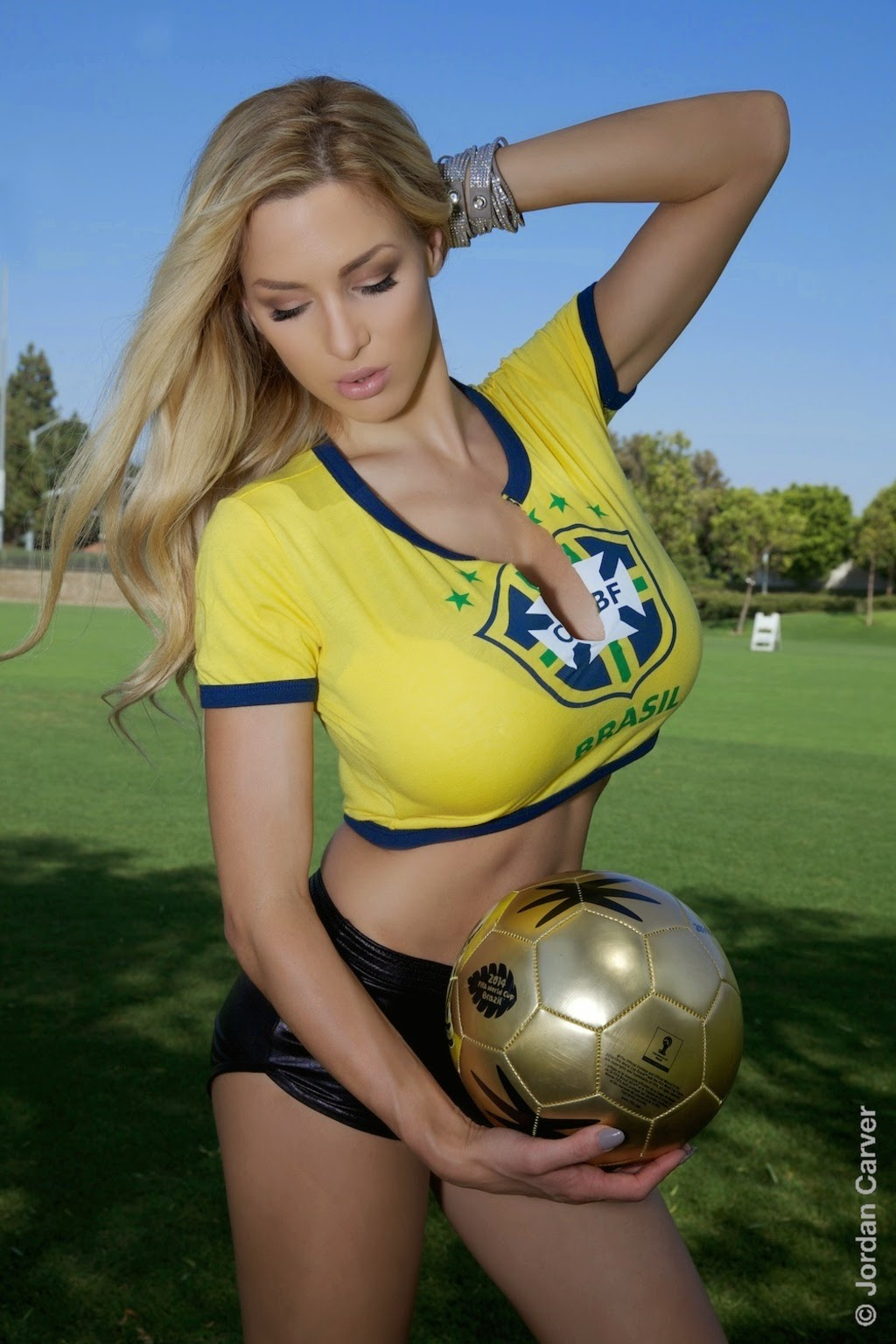 Jordan Carver Big Boobs Playing Foot Ball In Brasil Fan -6552