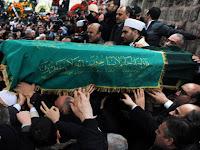 Kisah Cinta Dua Orang Hebat di Turki, Erbakan (Sang Guru) VS Erdogan (Sang Murid)