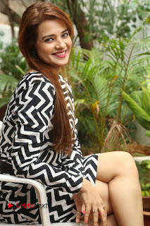 Actress Saloni Latest Pos in Short Dress  0210.JPG