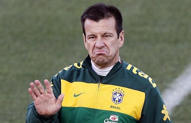 Brasil destituye a Dunga de la dirección técnica