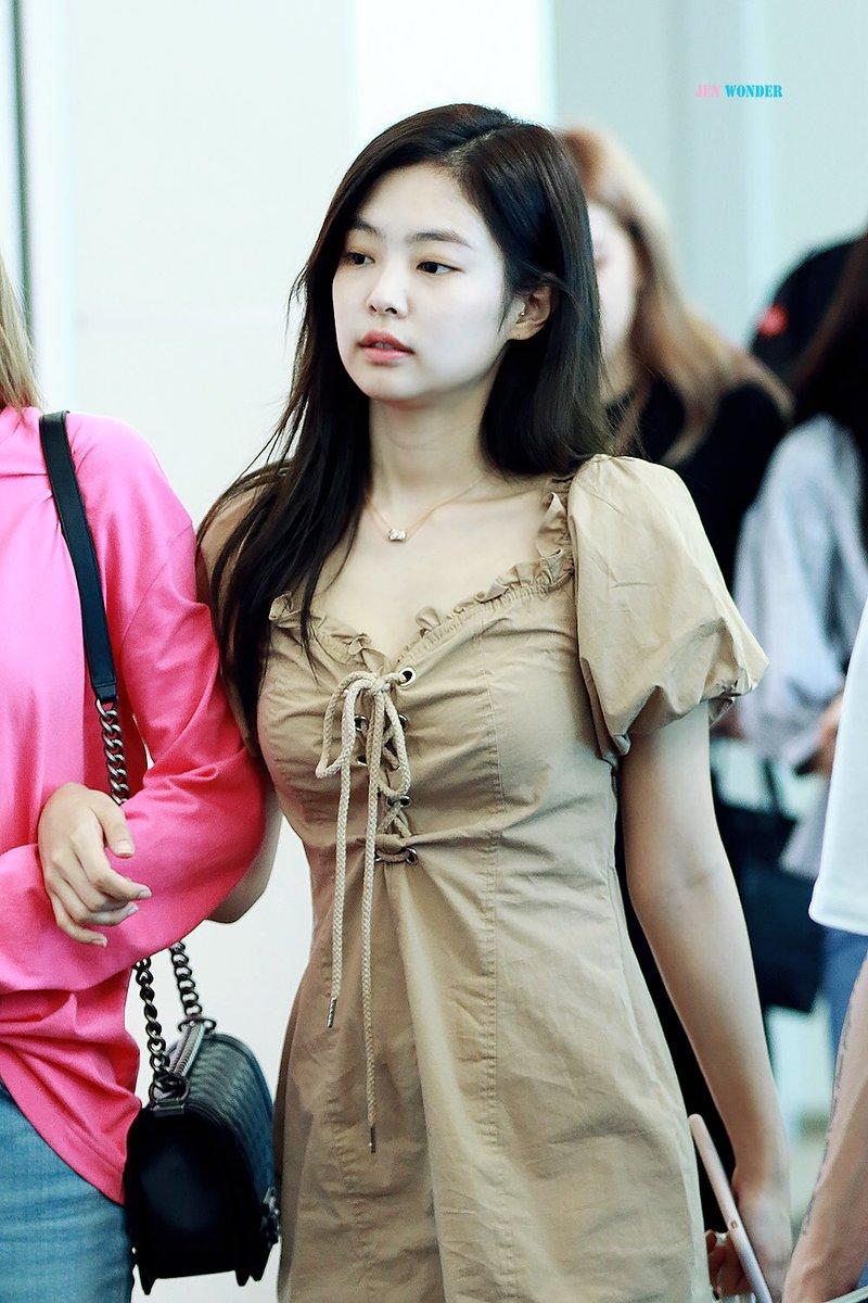 Blackpink Jennie Looks Gorgeous Without Makeup Bias Wrecker Kpop News