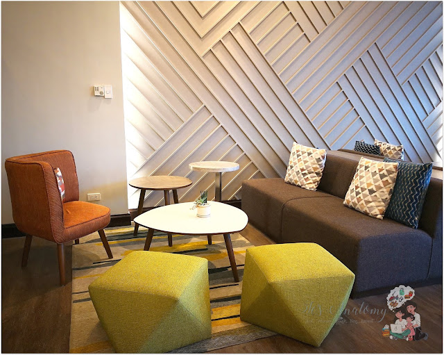 Somerset Millenium Makati Guest Lounge Couch