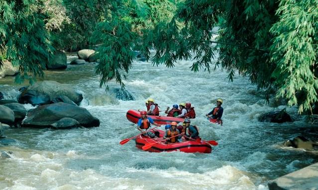 Rafting di Sungai Cisangkuy Palayangan