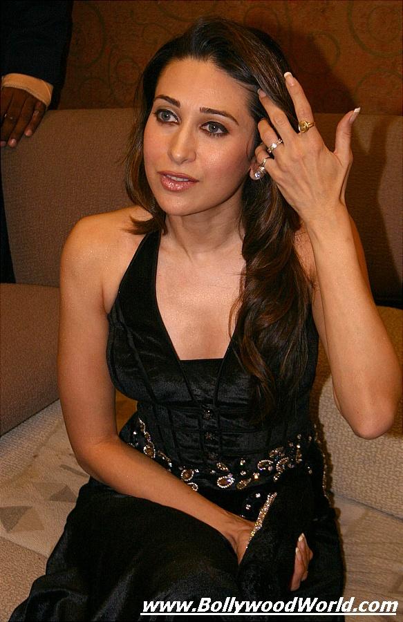 Karishma Kapoor 3  Hot-Celebs-Wallpapers-6018