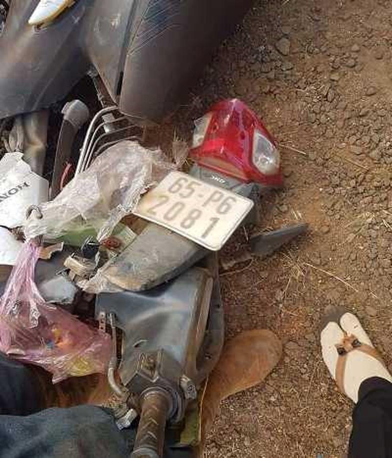 Gia Lai: Bị ôtô tông trực diện, 3 người trong một gia đình chết tại chỗ