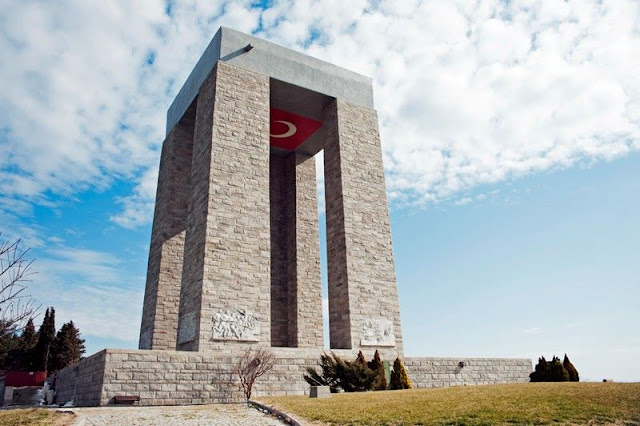 akademi dergisi, Mehmet Fahri Sertkaya, çanakkale anıtı, içimizdeki israil, masonlar, sabetayistler, gizli yahudiler, fransızlar, gerçek yüzü,