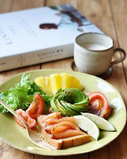冷燻鮭魚早餐拼盤_海鮮霸煙燻鮭魚