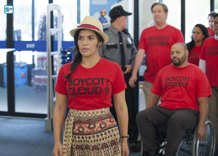 Superstore - Episode 2.01 - Strike - Promotional Photos