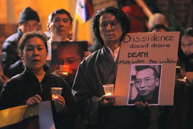 Morre o dissidente chinês e vencedor do Nobel da Paz Liu Xiaobo
