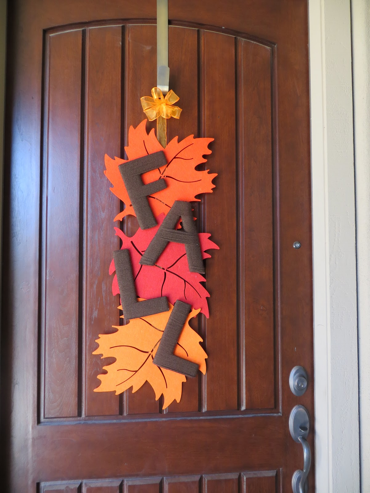 DIY Fall Leaf Door Decoration - The Lovebugs Blog