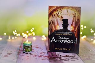 "Mick Finlay - ""Detektyw Arrowood"""