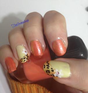 orange_flowers_nail_art